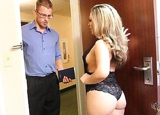 Curious brunette slut Carmen Valentina sucks a juicy cock masterfully |