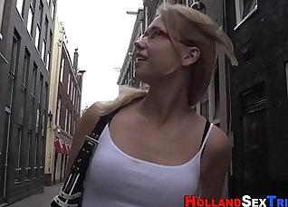 Blonde prostitute gets pranked |
