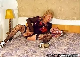 Beautiful Hairy Asian Granny Muy Grunner |