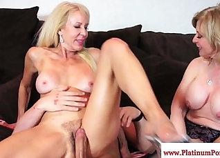 Jillian Moreno gives ffm her guy and sucks passionately |
