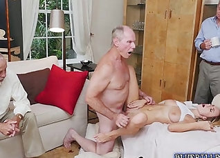 Teen porn shy blonde Molly Mae first porn clip and she knows sexy |