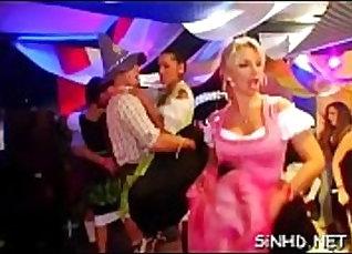 cocksucker Orgia Rabuda rubsinena latinau em gostosa de uma BBC fodendo  