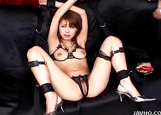 Japanese Babes Toying their Pussy |