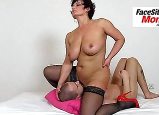 Amateur wife getting licked so good by her partner |