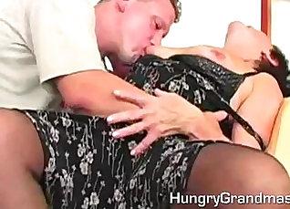 Bushy blonde granny slut gets her pussy rammed raw |