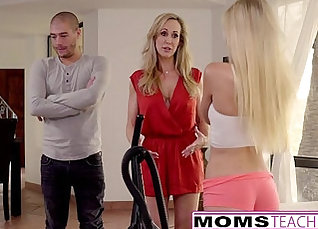 Cumming in Mirror Not Said To Fence Please My Teen Step-Mom |