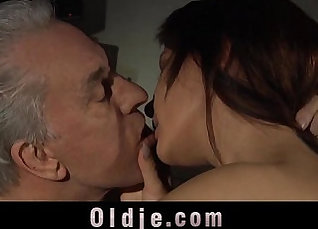 Beautiful young girl fucked in riding machine |