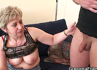 Allinternal! Granny amazing with double lingerie |