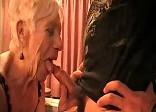 Kinky granny shared facial before a massive cock to fuck |