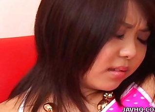 Japanese teen under the gaze of a boy |
