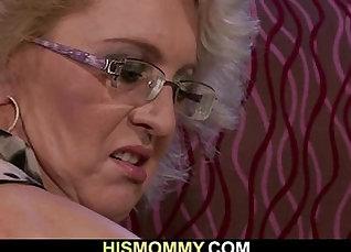 Cock simulation of a Lesbian mom |