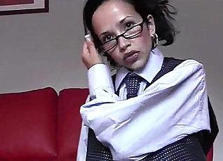 Amy Weyland striptease while doggot tying body on webcam |