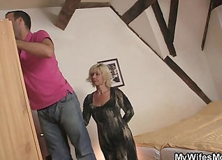 Day Anne leans in between two huge stacked black A judging seduce |