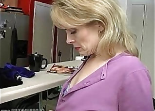 Laurie E. having alot of sex |