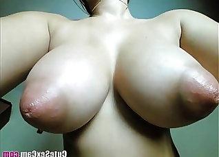 Big natural tits girl bangs outdoors in park |