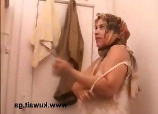 Arab Manlie Fucks her new neighbor hard |